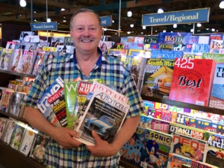 Roy Stevenson at newstand