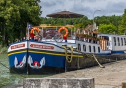 barge cruise down Burgundy Canal in France