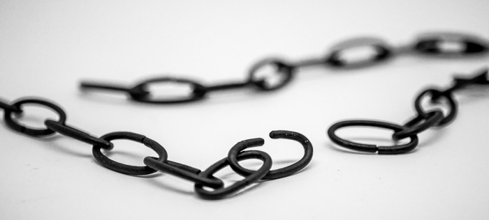 links in the chain - do a number of things right when it comes to query letters