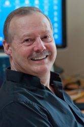 headshot of Roy Stevenson, an expert in successful travel writing and how to market your stories